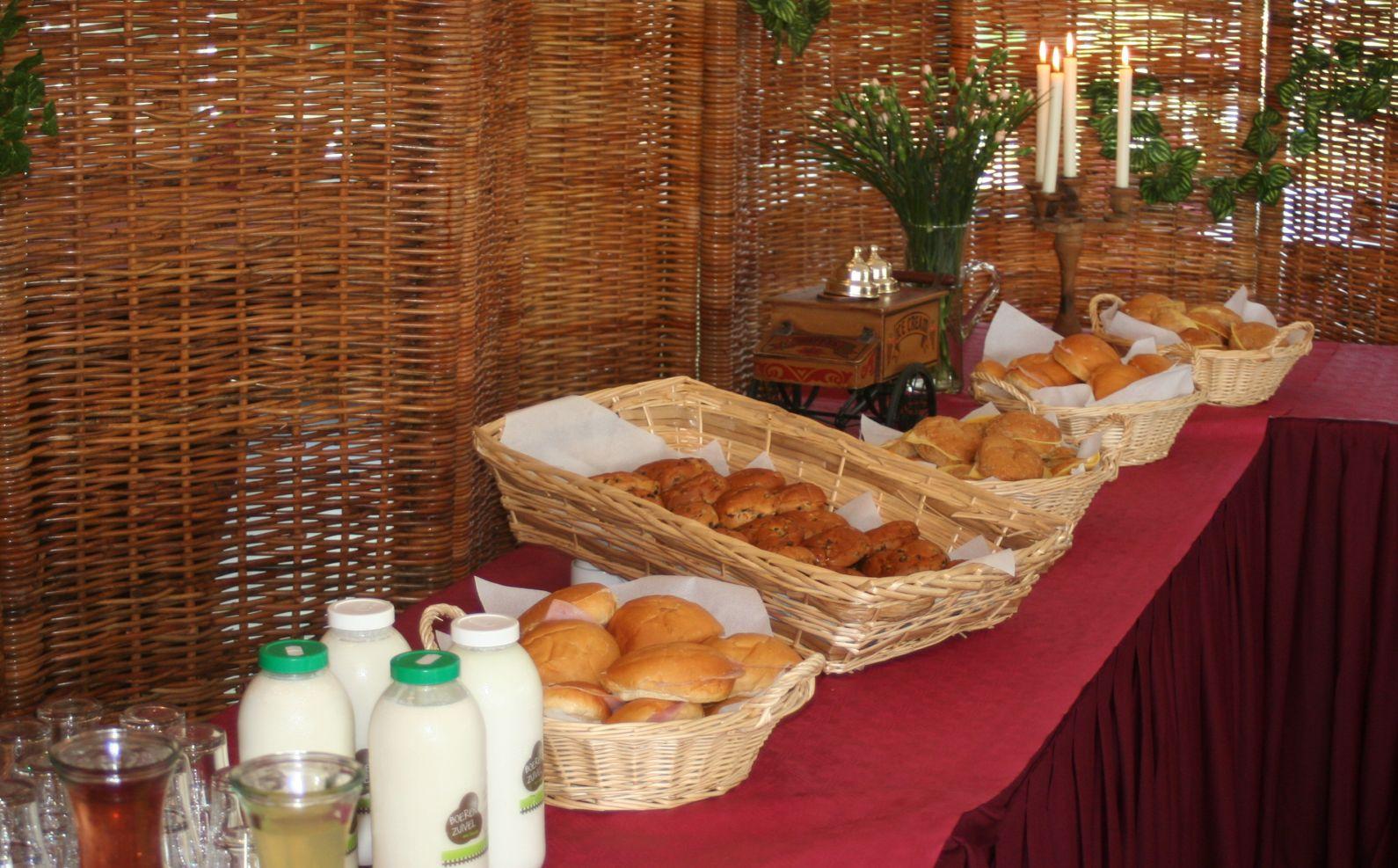 Lunch buffetten met diverse broodjes